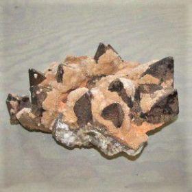 Calciet Bruin met Calciet Oranje Kristallen