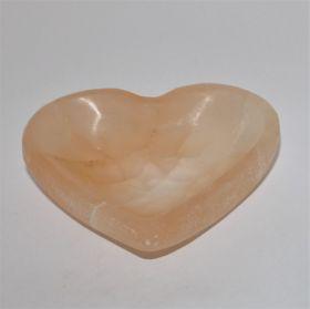 Hartvormig schaaltje van roze Seleniet